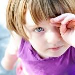 はやり目の症状や潜伏期間と治療の仕方は?眼帯の効果は?