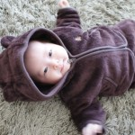 赤ちゃんの冬の服装・肌着はどうする?月齢別に紹介